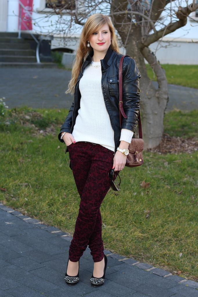 Weißer Wollpullover Perlen Cat-Eye Sonnenbrille RayBan Outfit Modeblog kombinieren