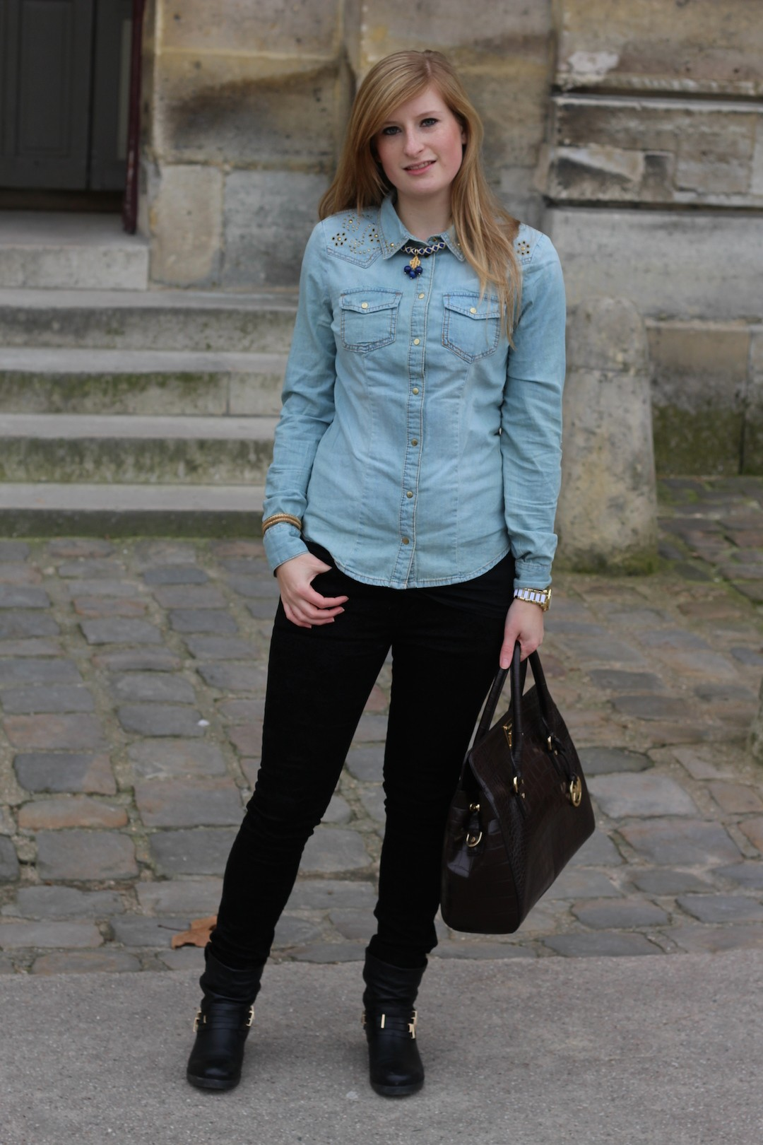 jeans blouse in Paris