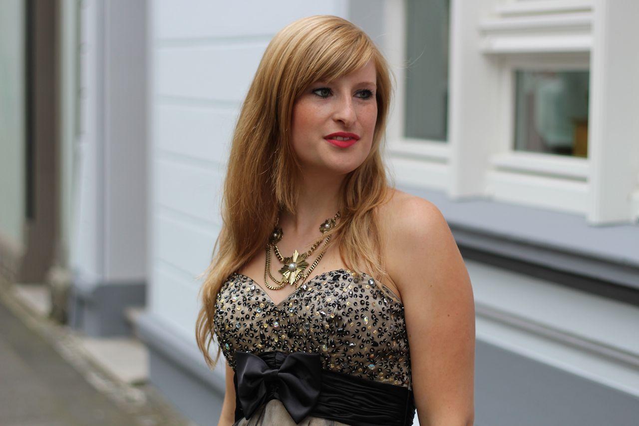 Kleid mit Schleife Gold