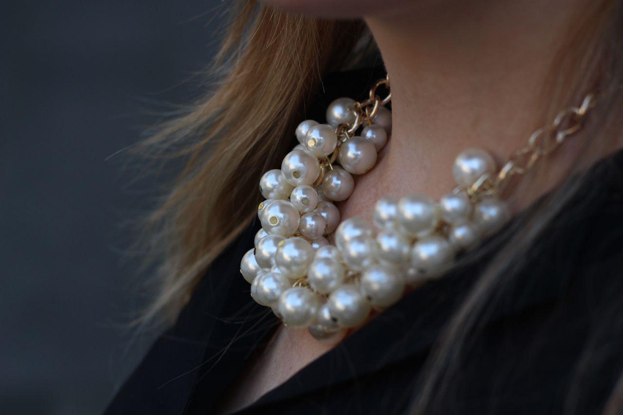Perlenkette Brini Fashionbook Details Schmuck Perlen Accessoires Blog Outfit