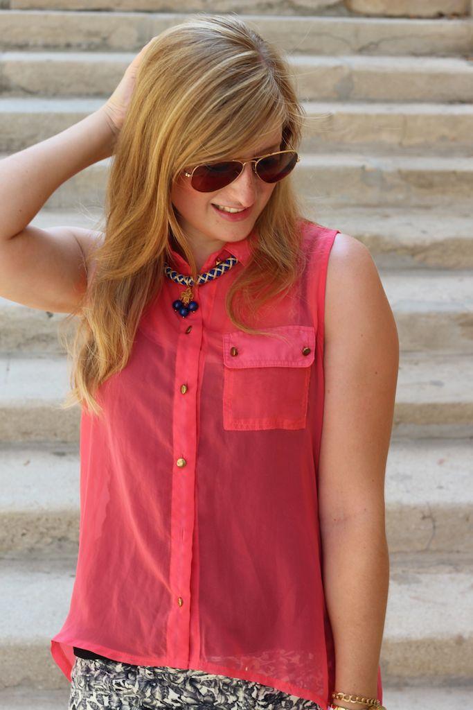 Ray Ban Piloten Sonnenbrille pinke Bluse mit Hotpants kombinieren Modeblog blonde Haare lang