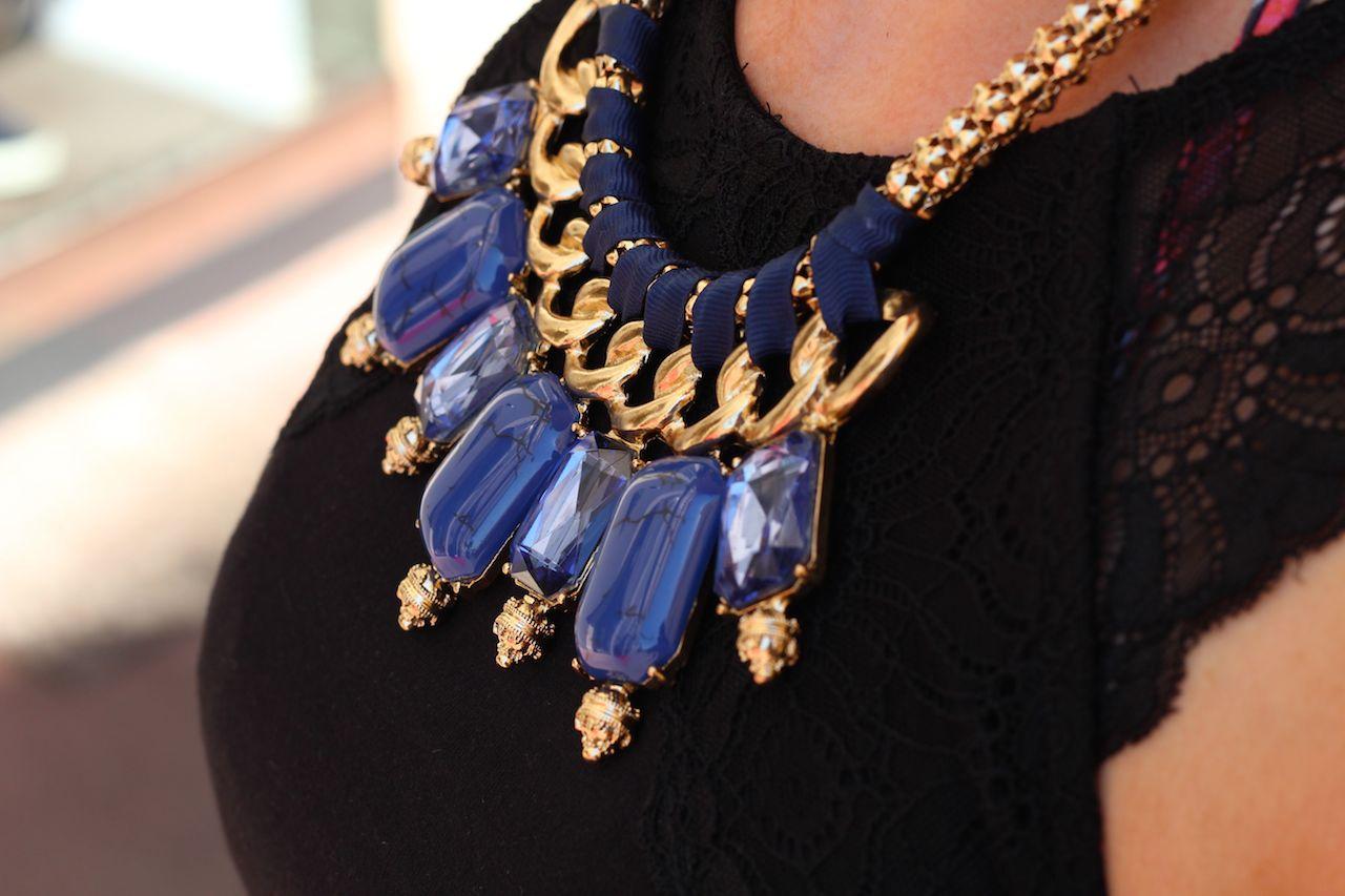 Statement Kette Blau Blauer Sommer Look Cannes Modeblog Kreuzfahrt