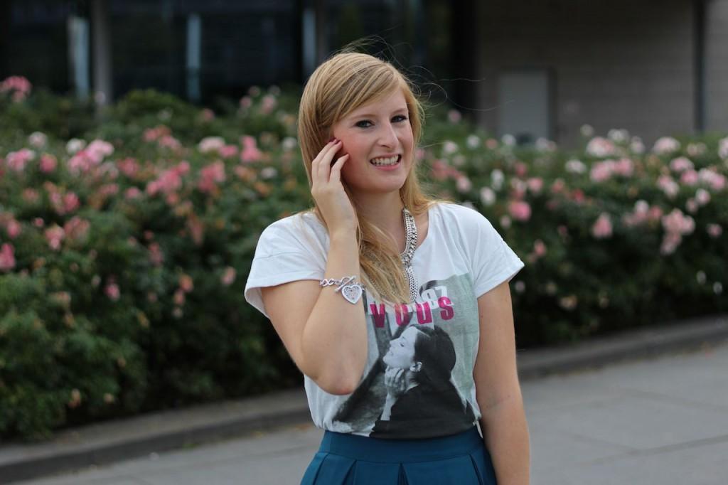 Grüner Midi Rock mit T-Shirt in Den Haag