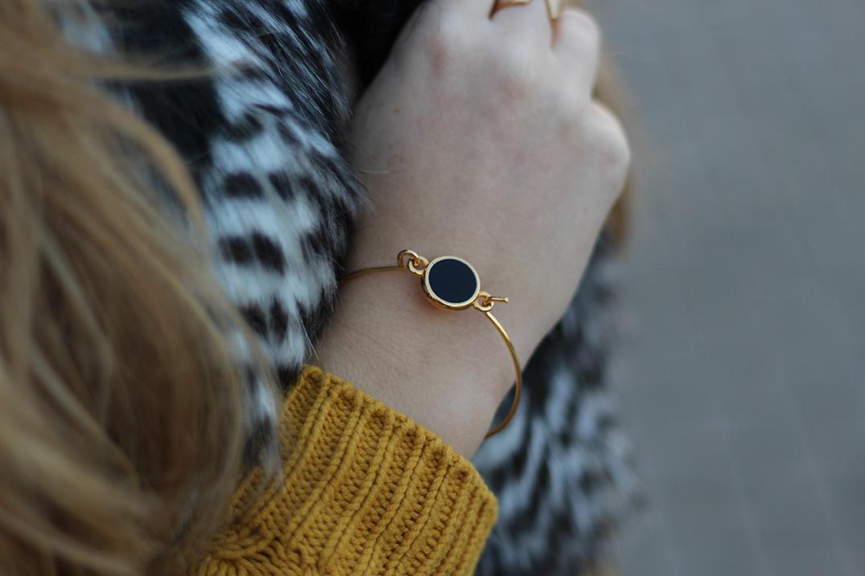 5 Armband Twininas goldener Schmuck Fellweste Modebloggerin