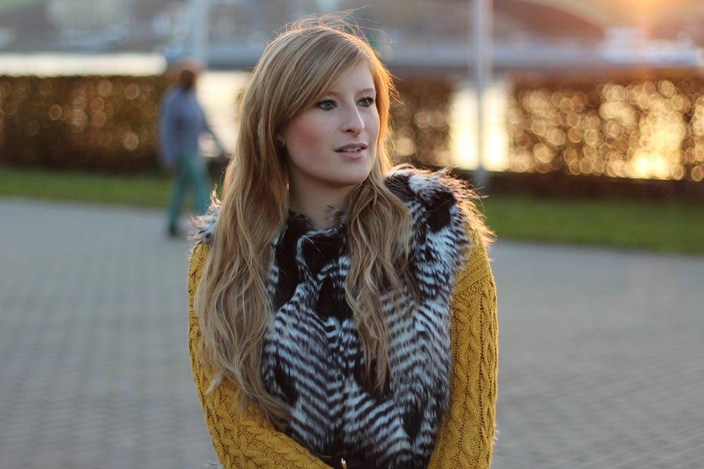 Winteroutfit Fellweste Kombinieren Modeblog Koln Brini