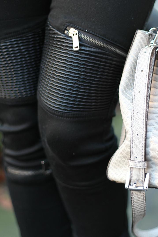 2 Hose mit Lederelementen modern
