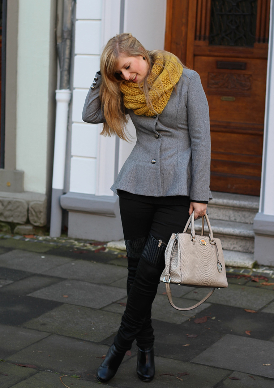 4 Wintermode Outfit - graue Jacke mit Michael Kors Tasche Winterinspiration