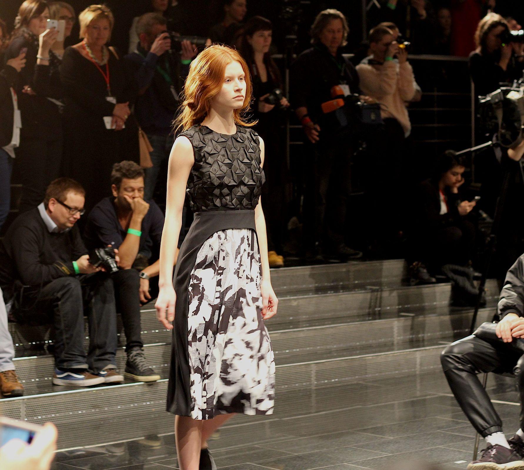 6 Kilian Kerner Fashion Show Herbst:Winter 2015 Show Kleid