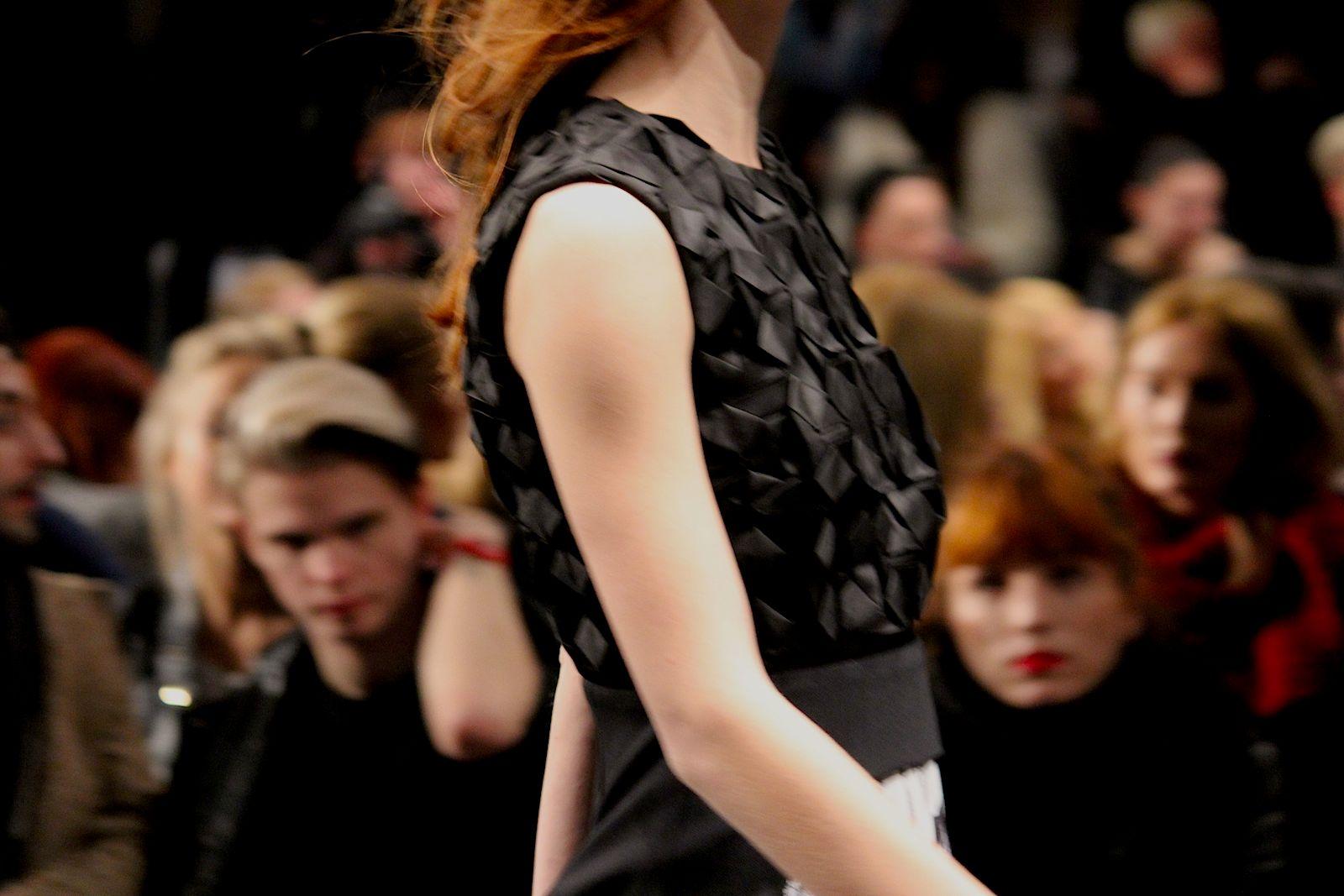9 Kilian Kerner Fashion Show Herbst:Winter 2015 Show kleid details