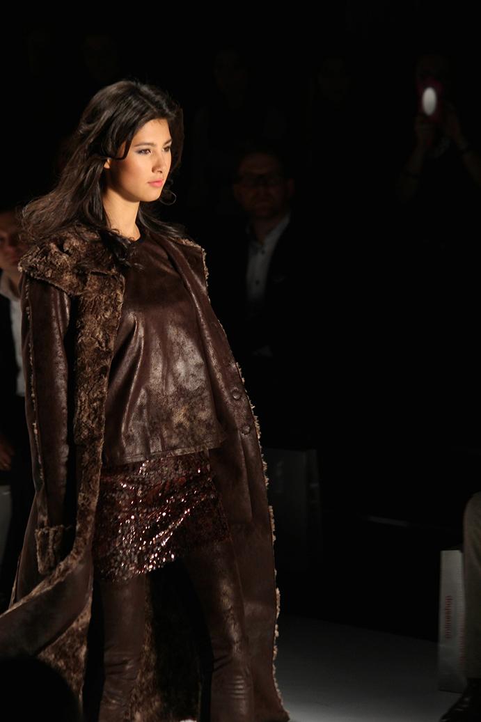 97 Anja Gockel Fashion Week Berlin Show 2015 Leder Fell Jacke