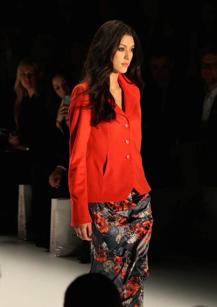 98 Anja Gockel Fashion Week Berlin Show 2015 Rebecca Mir rote Jacke