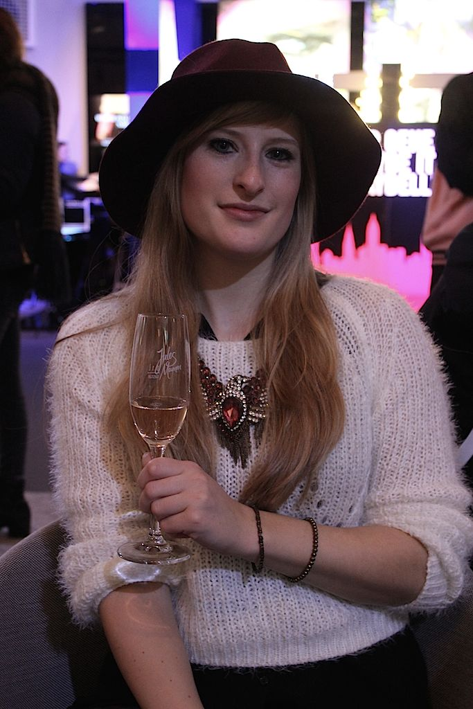 BrinisFashionBook im Fashion Week Zelt mit Jules Mumm