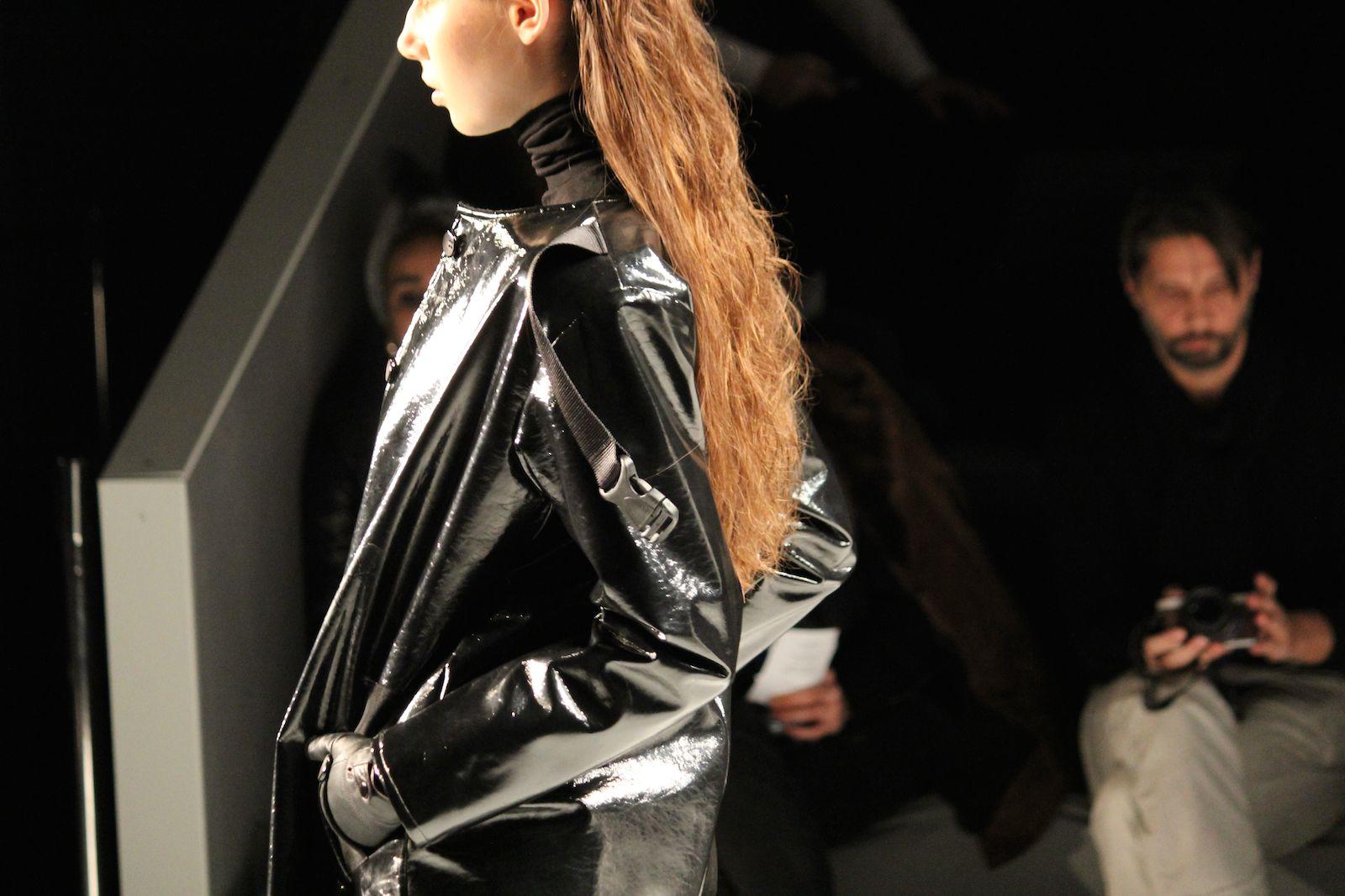 Pearly Wong Fashion Week Autumn:Winter 2015 Lederjacke