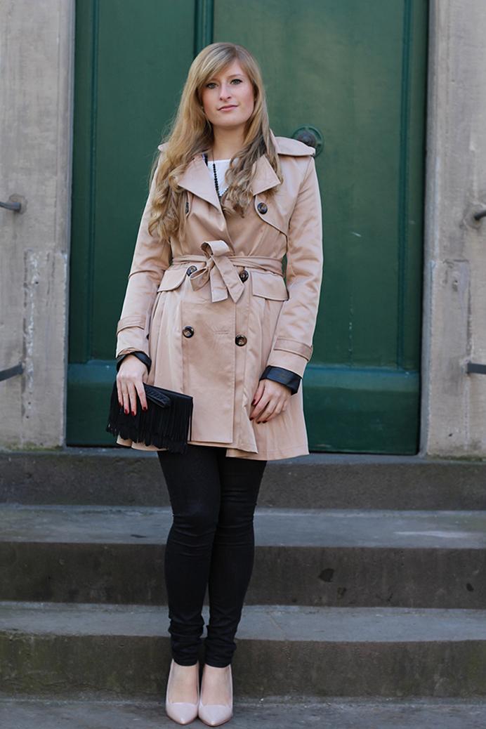 1 Challenge Paris Blog Mode Paris Streetstyle mit Camel Trenchcoat