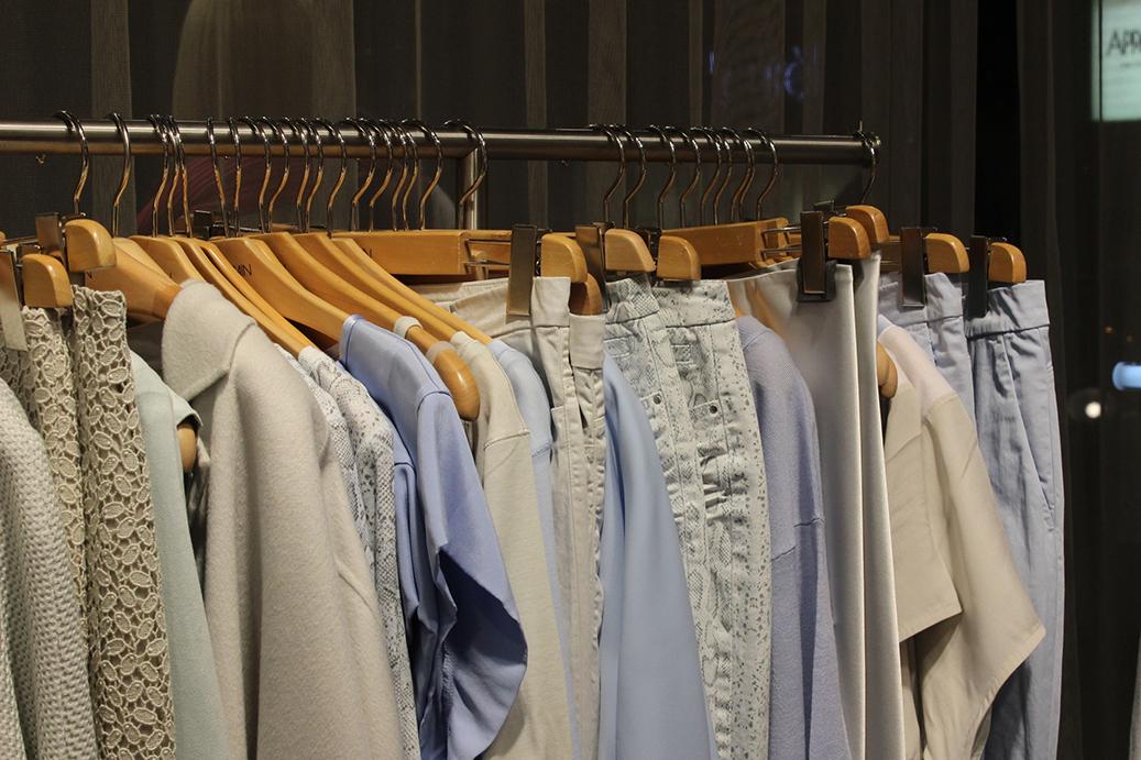 4 Marc Cain Shop Event Köln Modeblog Kollektion blau