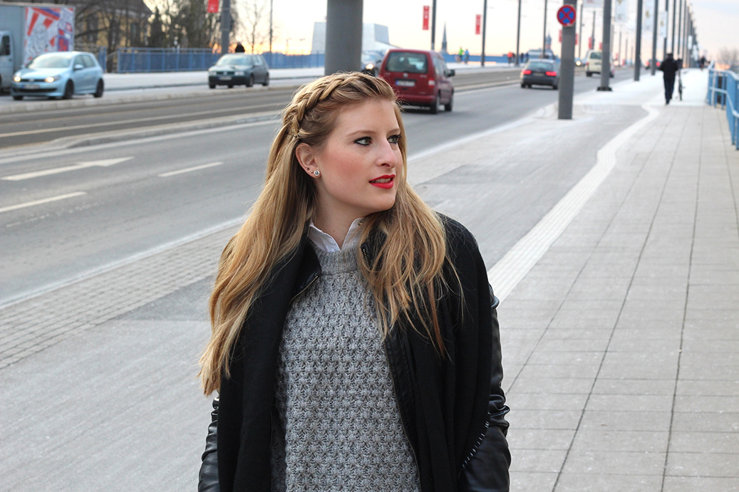 6 geflochtene Haare streetstyle bonn fashion blog Streetstyle Layering Look Lederjacke pullover bluse Modeblog
