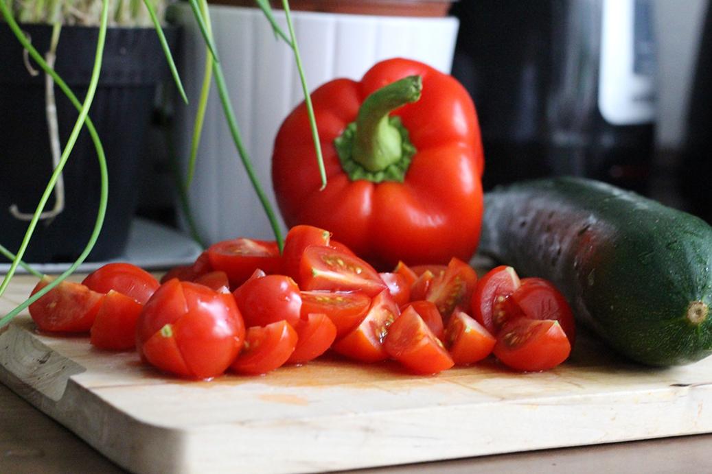 Couscous Rezept Paprika und Zuccini schneiden