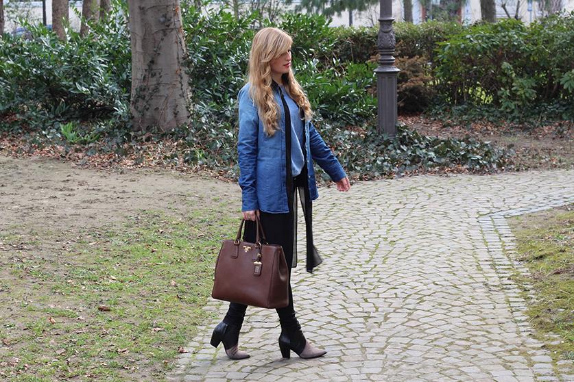 2 Denim on Denim Prada Tasche Modeblog Jeans mit Jeans kombinieren Outfit