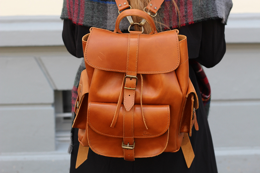 3 Rucksack Leder Twininas Schal Modeblog Lederrucksack Trend