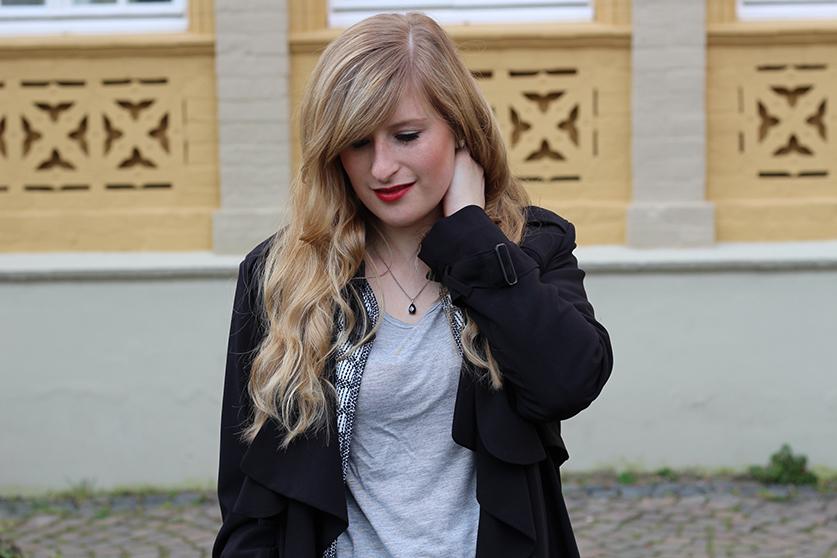6 Basic Shirt Grau schwarzer Trench Blog Köln