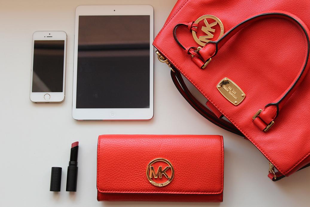 1 What's in my bag? Handtasche Inhalt Michael Kors Blog