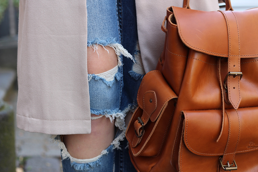 Titel Ripped Jeans Mode Blogger Leben