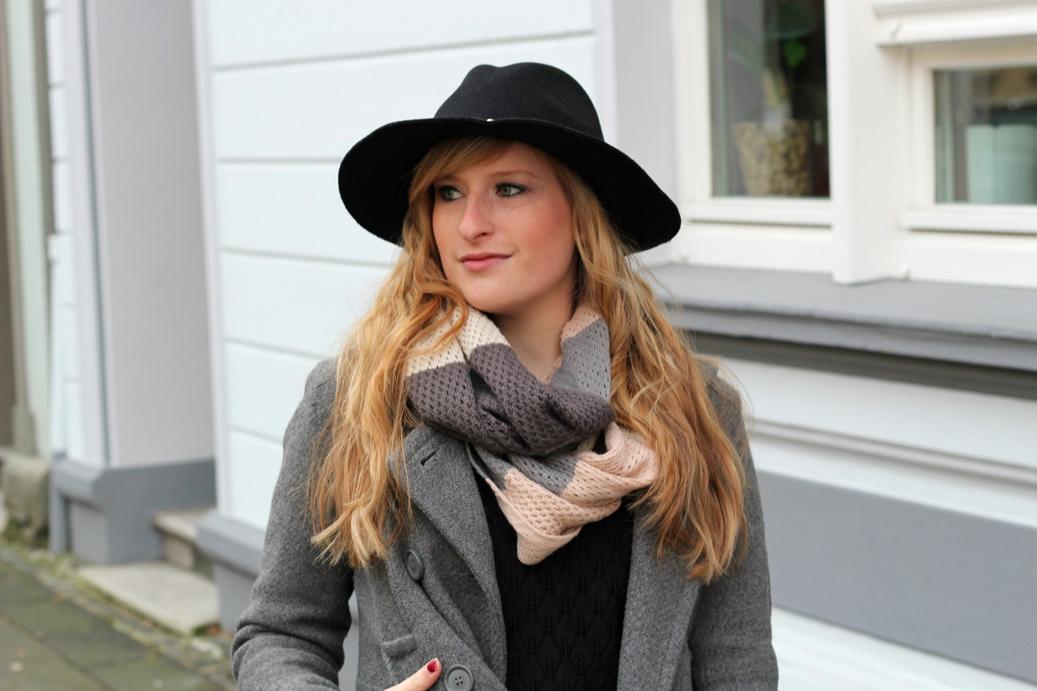 Titel schwarzer Hut Frühling streetstyle Köln