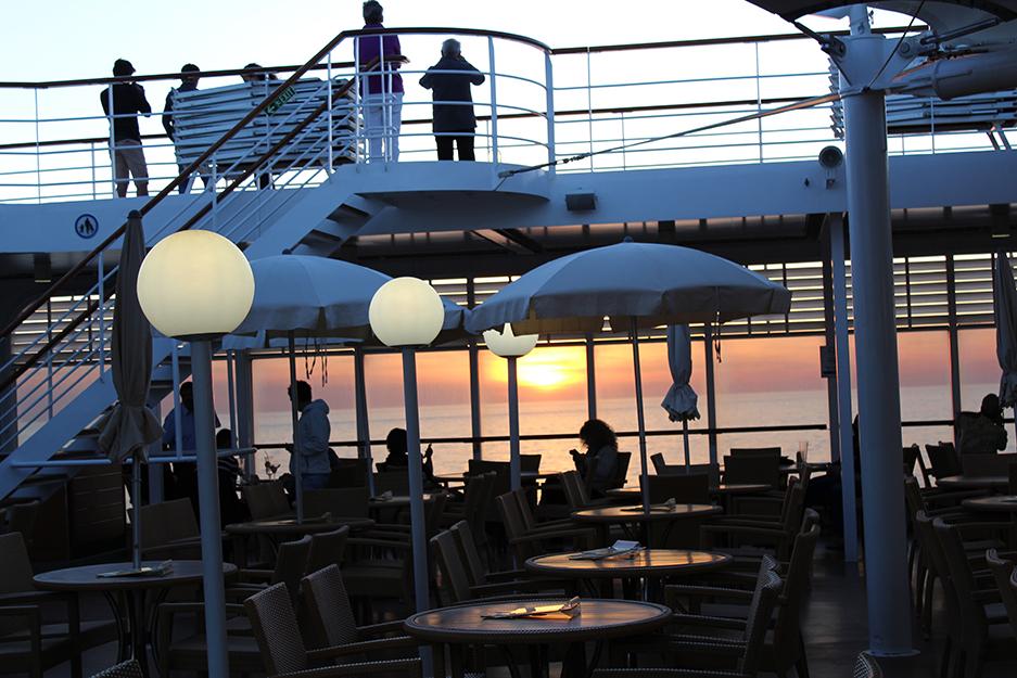 1 MSC Kreuzfahrt Mittelmeer Erfahrungen Reiseblog Sonnenuntergang