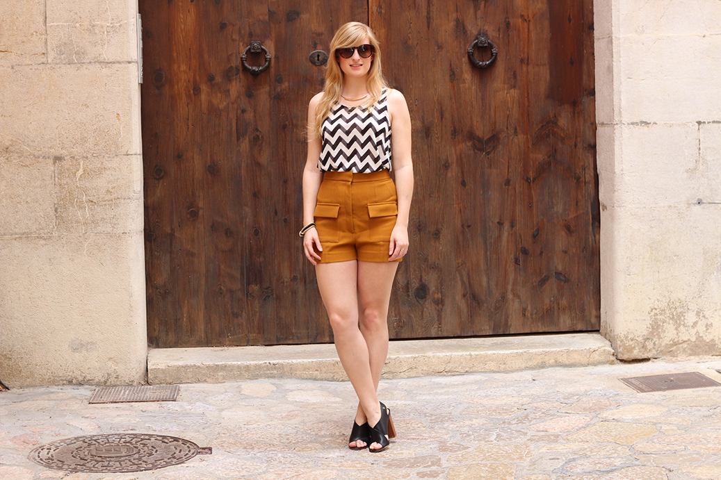 91 Just Fab Heels und High Waist Hotpants von Fashion Blog Köln