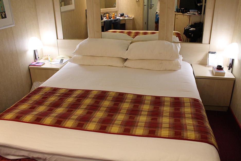 Innenkabine Kreuzfahrt MSC Bett Reiseblog