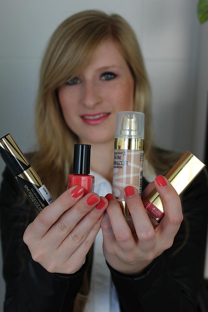 1 MaxFactor Make up schminke beauty post