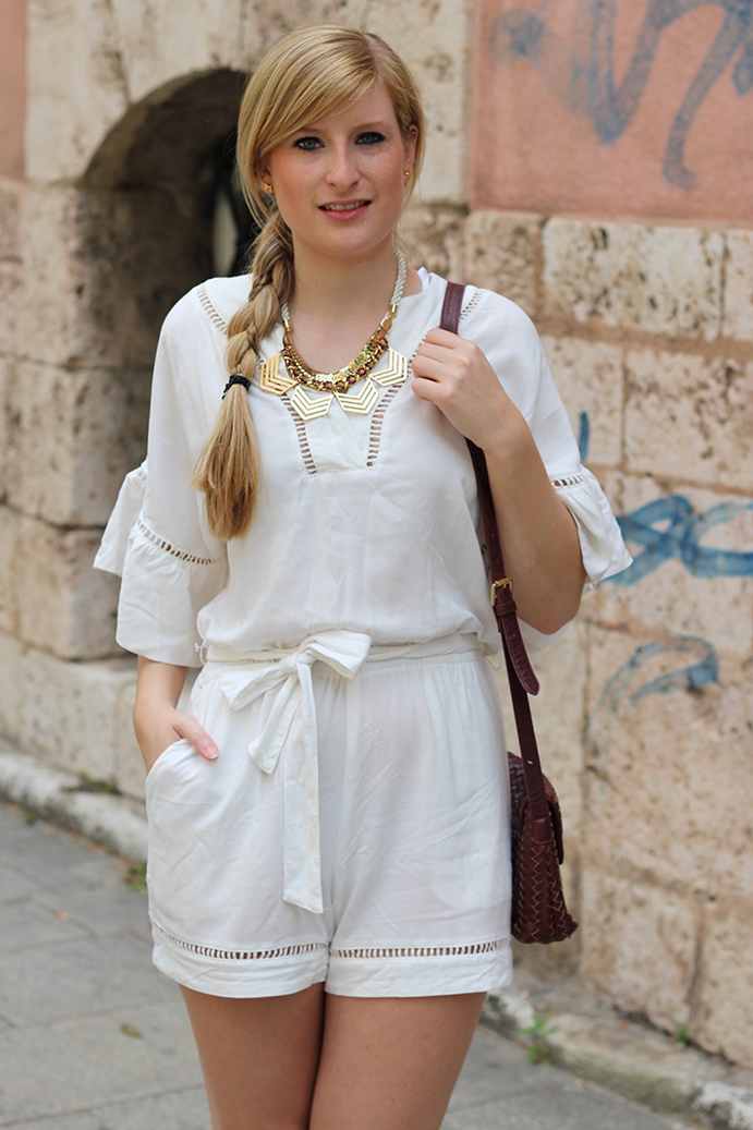 6 weiße Tunika Jumpsuit in Messina Italien outfit