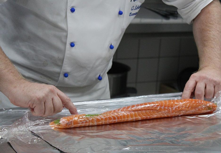 98 Lachs Carpaccio Chefkoch Vorführung Show Cocking