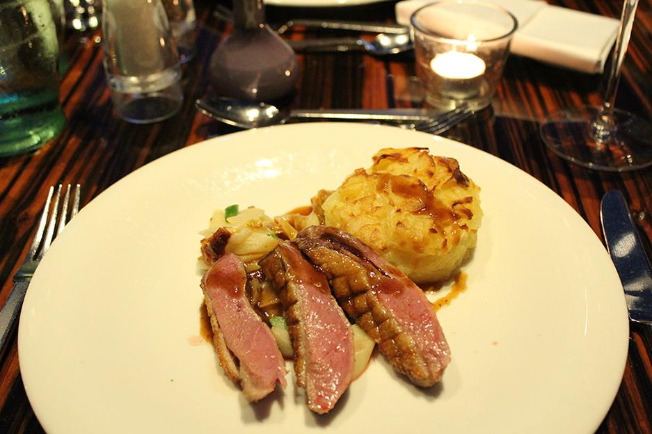 992 Hauptgericht Ente mit Kartoffelgratin und Spargel Blogger Dinner Frankfurt