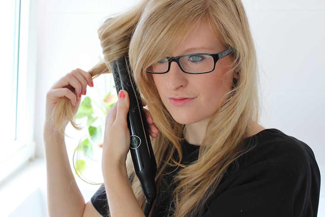 lange Haare Glätteisen Locken machen Braun Satin-Hair7 Beauty Blog