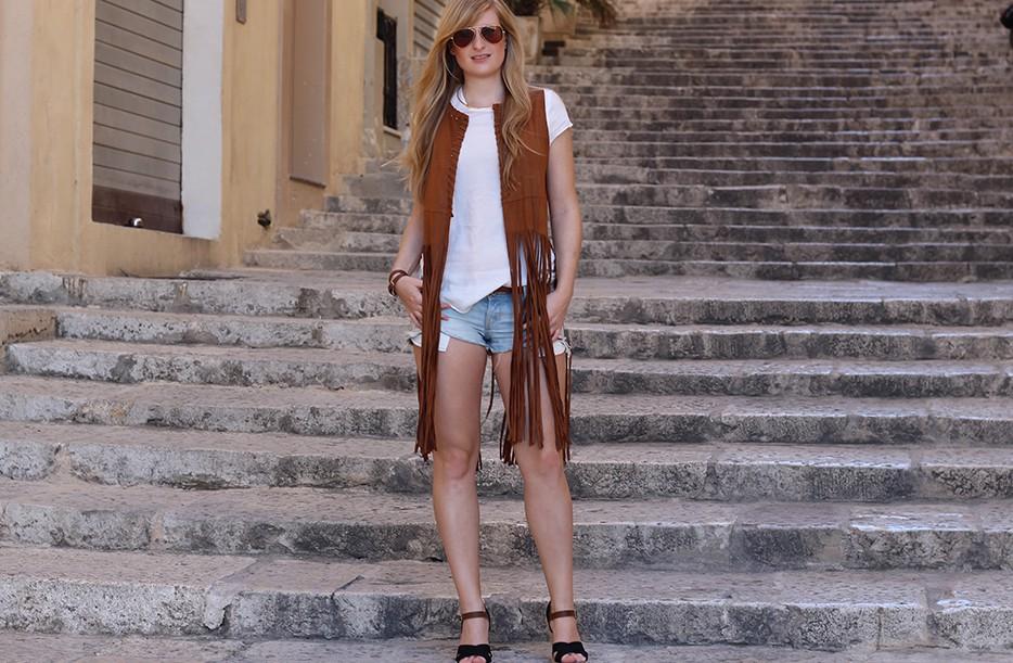 Mit Fransenweste im Urlaub auf Malta