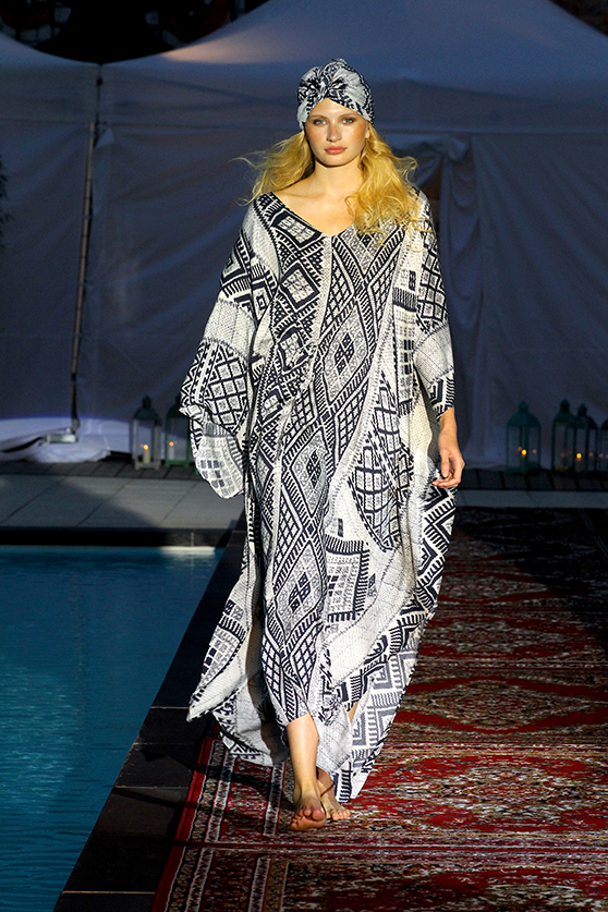 holyGhost_Desert_Rose_SS16_Fashion_Show_Orientkleid