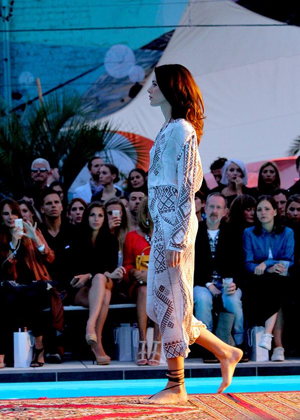 12_holyGhost_Desert_Rose_SS16_Fashion_Show_Haubentaucher