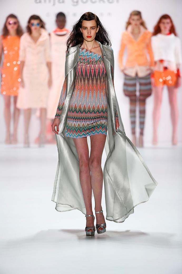 Anja Gockel Fashionshow Amelia Fashion Week Juli 2015 Kleid