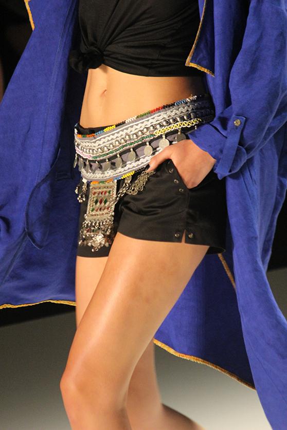 Dimitri Fashionshow Berlin Fashion Week Juli 2015 blauer Mantel 05