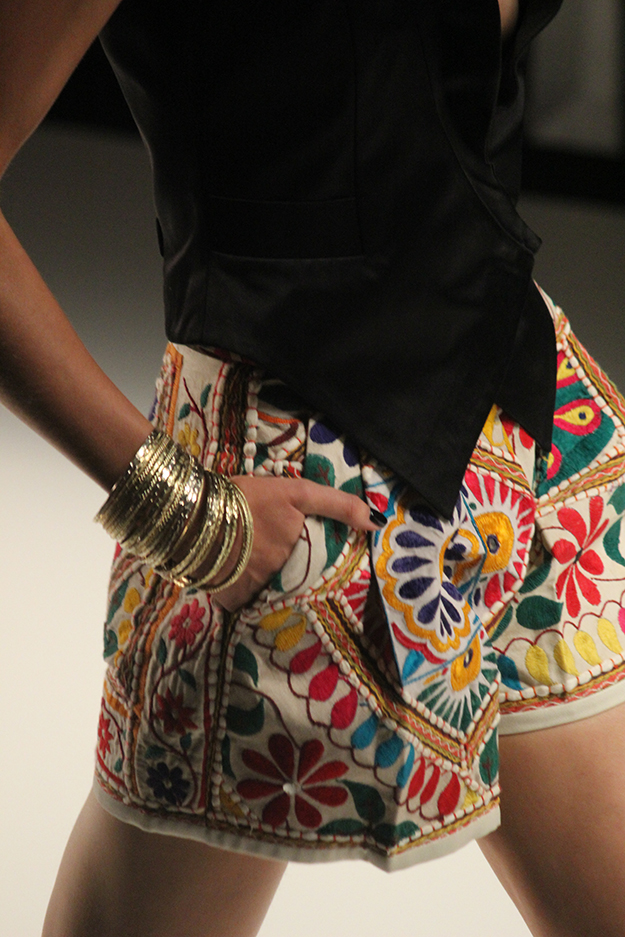 Dimitri Fashionshow Berlin Fashion Week Juli 2015 bunte Shorts 04