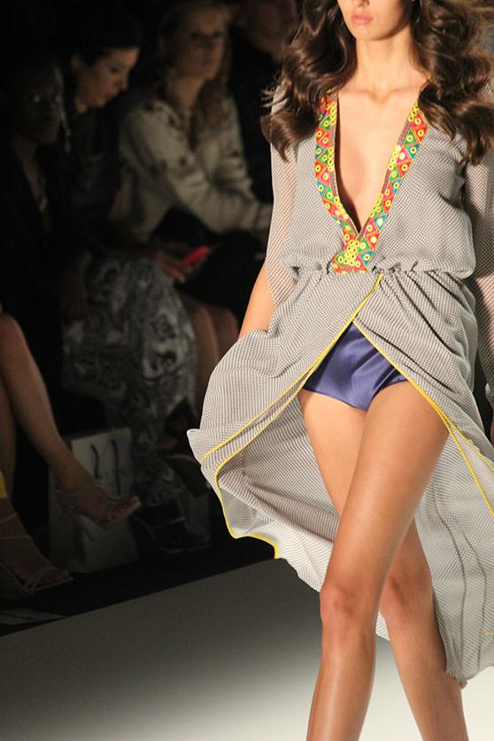 Dimitri Fashionshow Berlin Fashion Week Juli 2015 langes Kleid 10