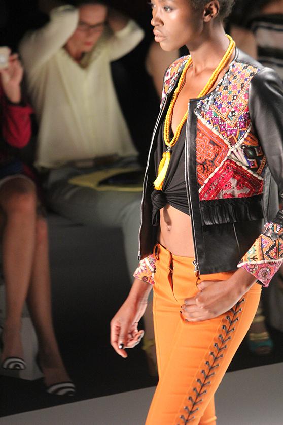 Dimitri Fashionshow Berlin Fashion Week Juli 2015 orange 02
