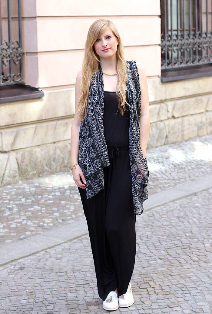 Schwarzer Jumpsuit Streetstyle Berlin Fashion Week ootd 1