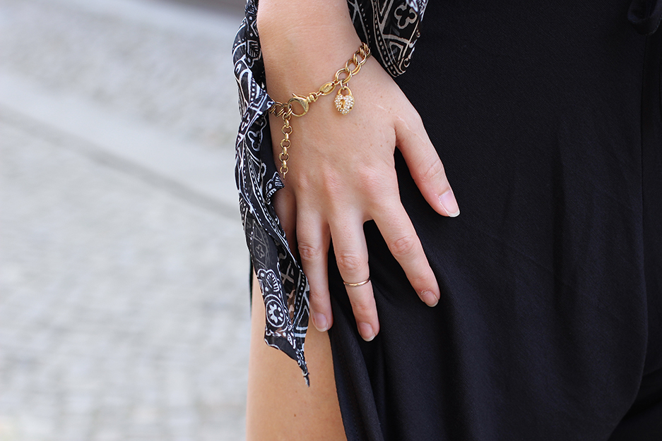 goldener Schmuck Streetstyle Berlin Fashion Blog 09