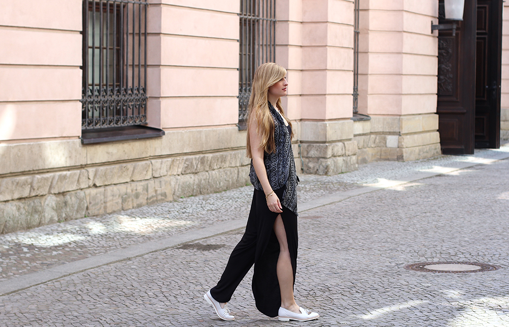 ootd schwarzer Jumpsuit Streetstyle Berlin Fashion Blog 06
