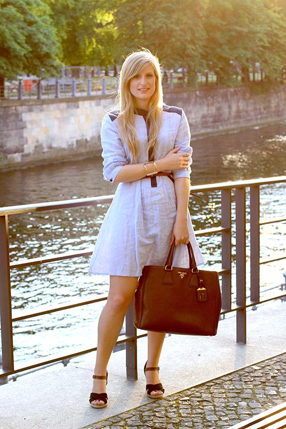 01 Fashionblog Berlin Jeanskleid Spree Dom ootd