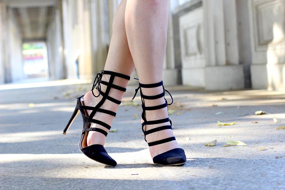 03 Schwarze Gladiator Sandalen Heels JustFab Modeblog