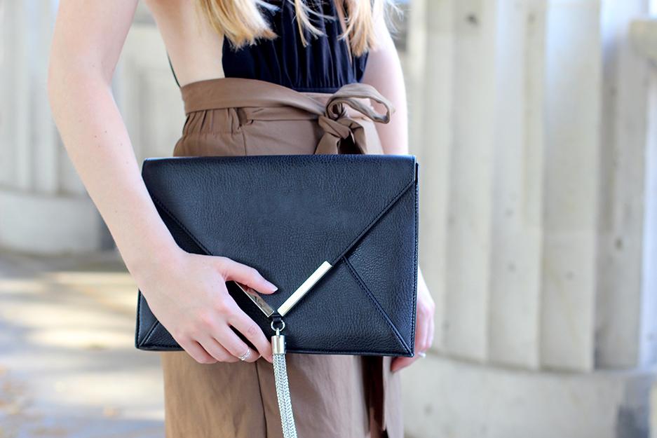 04 schwarze Clutch JustFab Fashion Blog Köln ootd