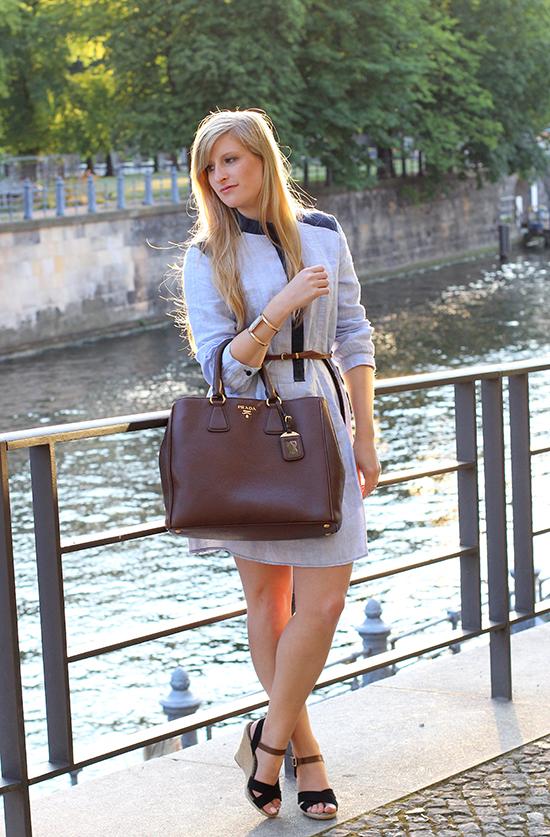 06 Fashionblog Berlin Jeanskleid Spree Dom ootd